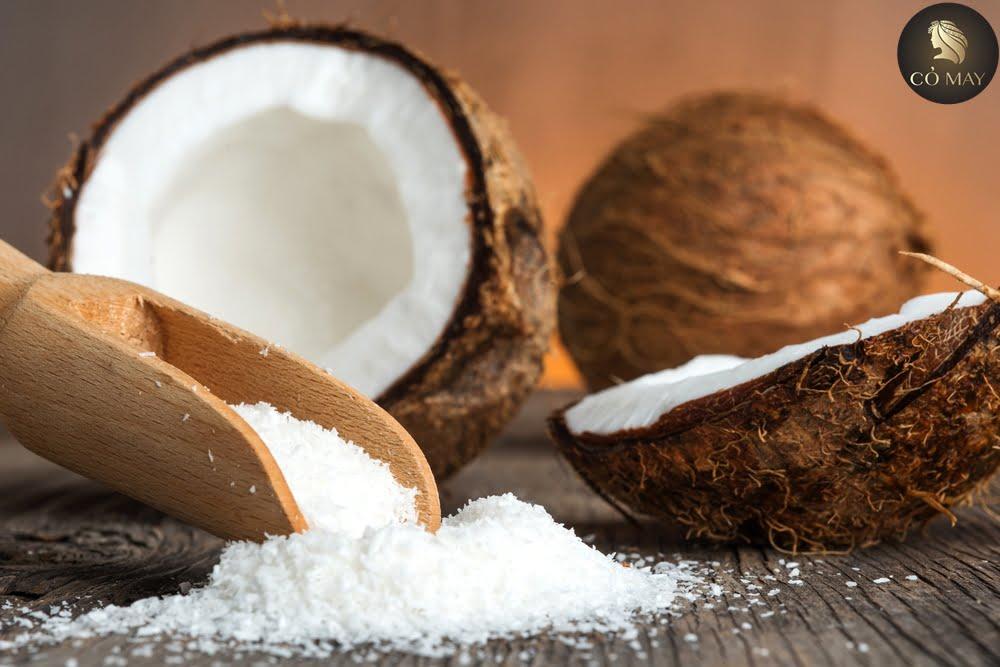 Dầu dừa sẽ là người đồng hành trung thành nhất cho mái tóc gãy rụng của bạn
