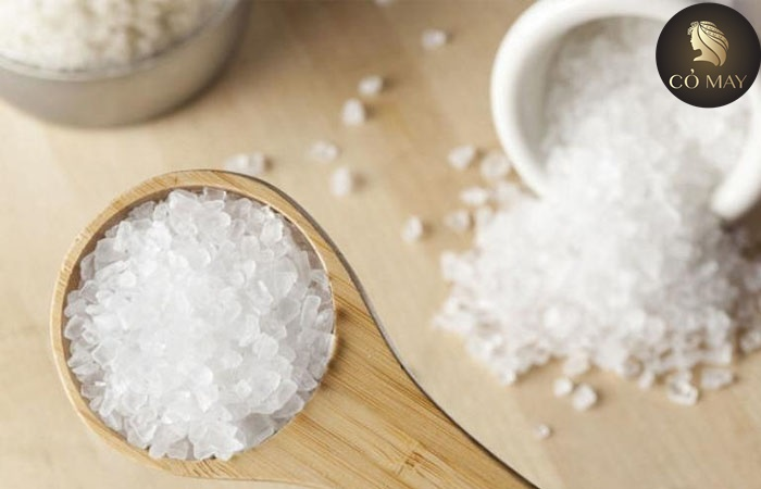 Cách điều trị gàu hiệu quả tại nhà bằng muối