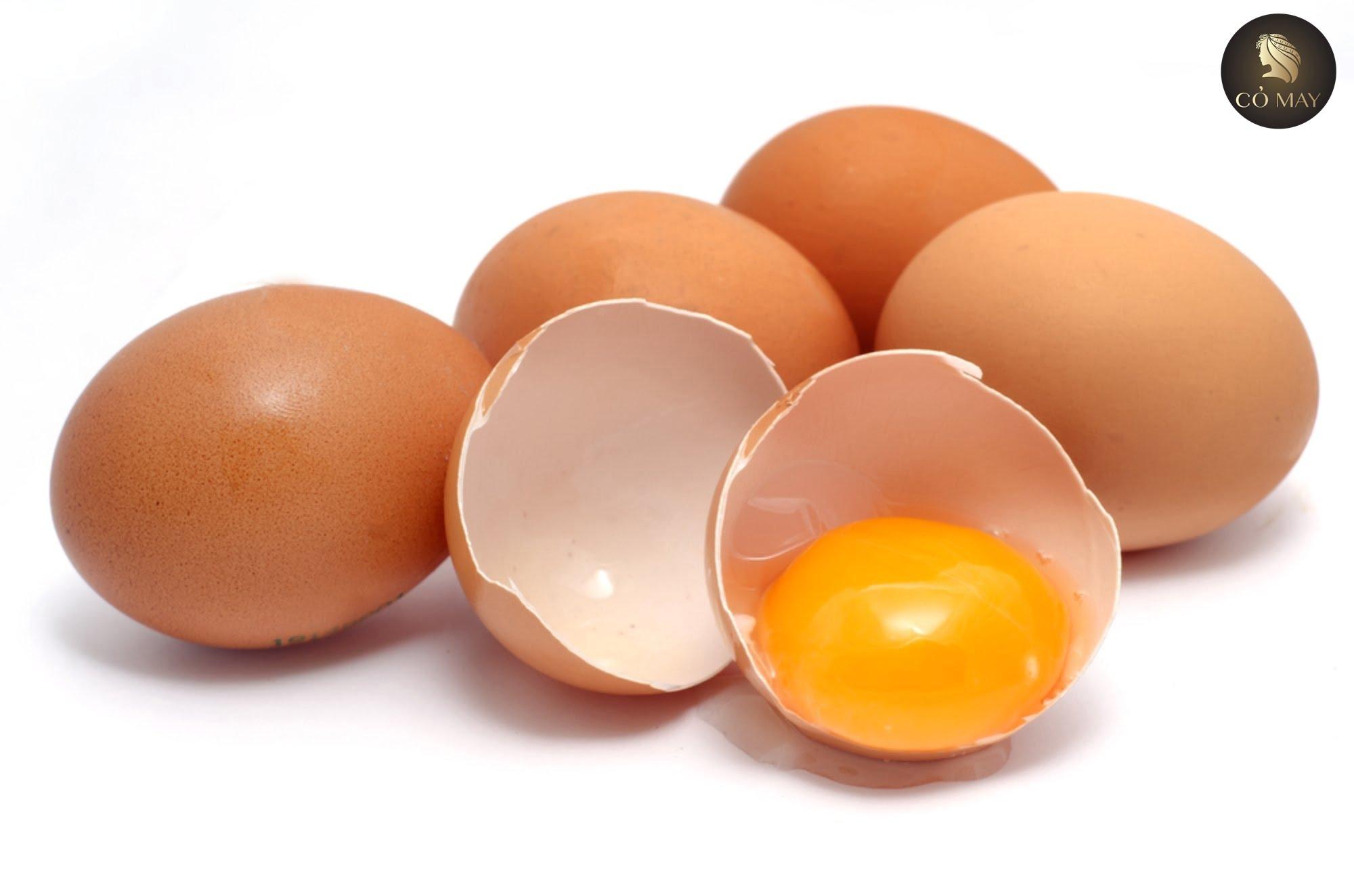 Tóc mọc nhanh và dày với combo trứng gà và dầu dừa