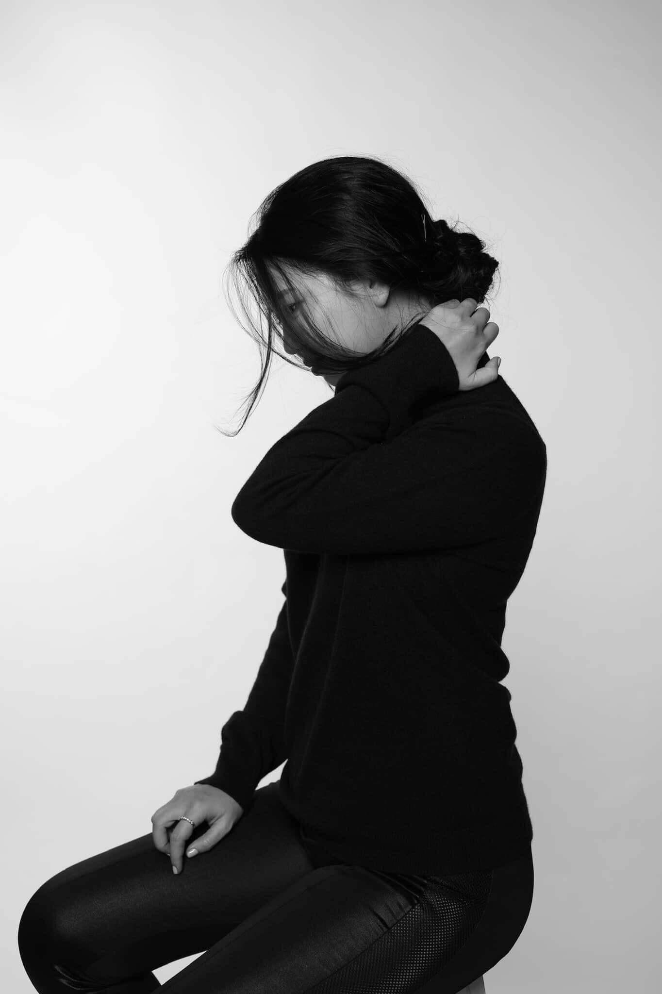 Thiếu tự tin, e ngại giao lưu tiếp xúc gần với người khác