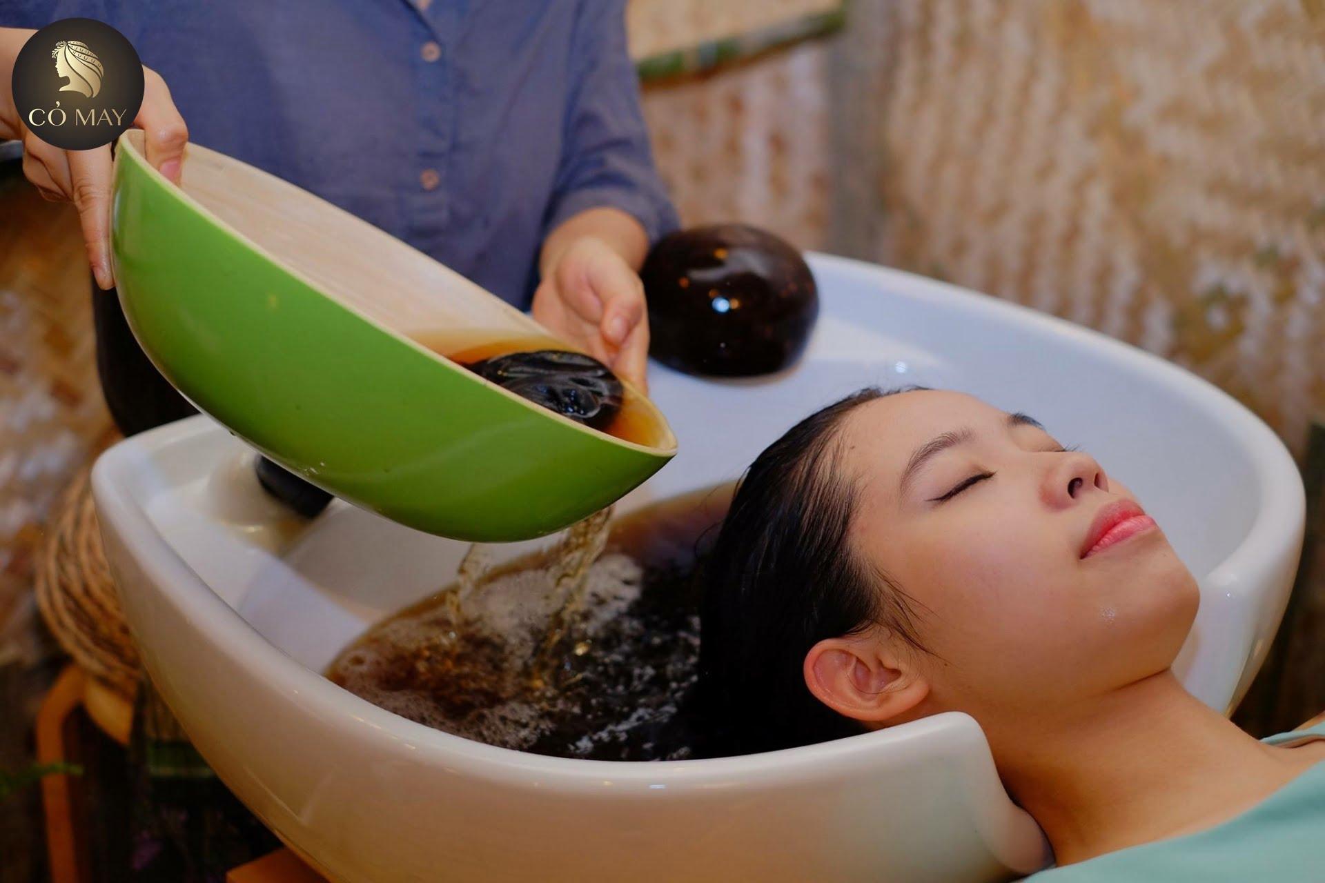 Gội đầu thảo dược ở Gò Vấp cho tóc khỏe đẹp vào mùa hè